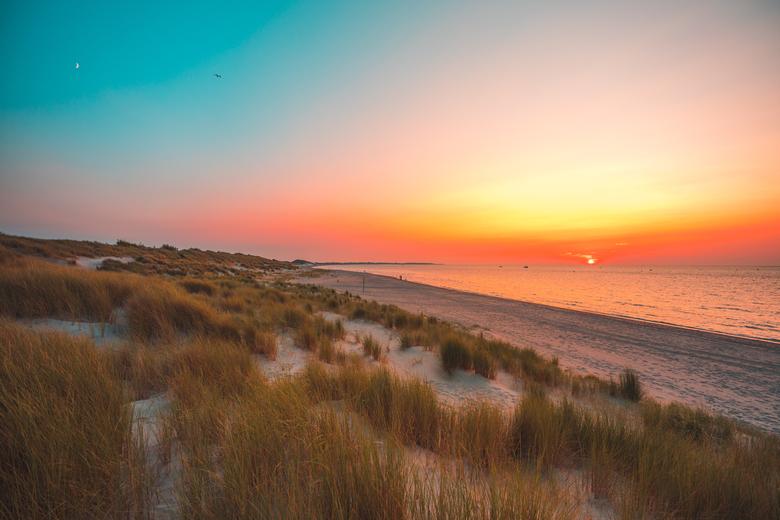 Sonnenuntergang am Strand von Vrouwenpolder