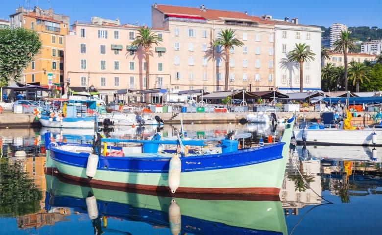 Urlaub im April auf Mittelmeerinsel Korsika in Südfrankreich