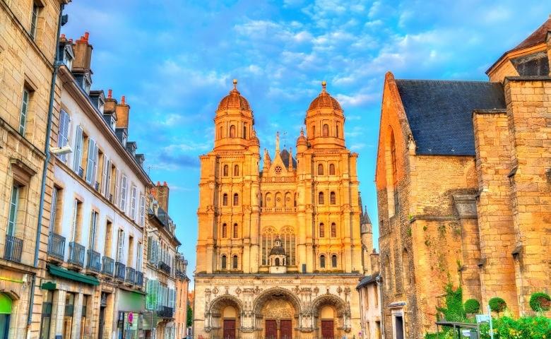 Eglise Saint-Michel in Dijon