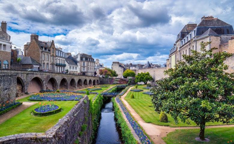 Vannes mit der Garenne Promenade und den französischen Gärrten