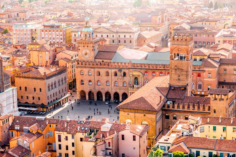 Hauptplatz von Bologna aus der Vogelperspektive