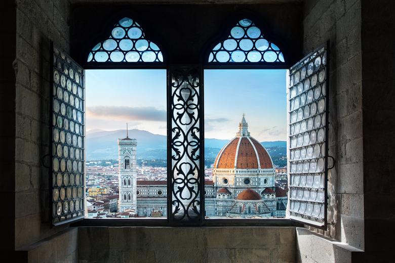 Blick aus dem Fenster auf den Dom in Florenz