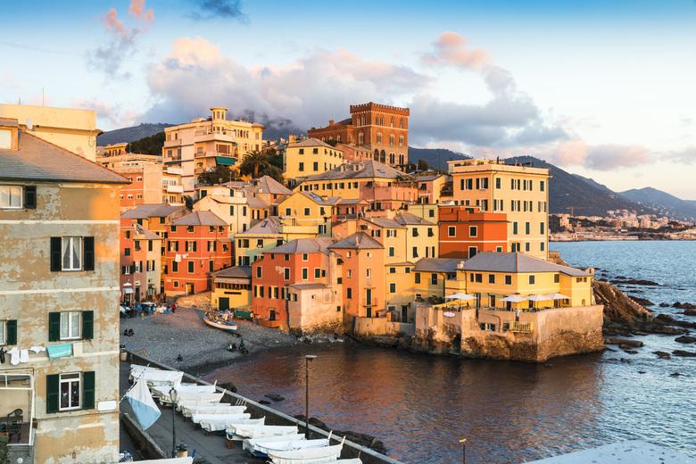 Blick über Genua und das Meer