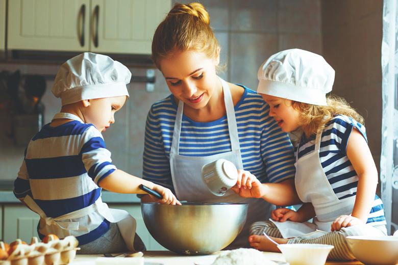 Ideen mit Kindern zu Hause - zusammen backen und kochen